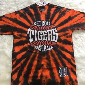 NWT Detroit Tigers shirt size medium